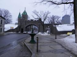 Porte St Louis