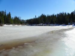 Rivière en cours de dégel